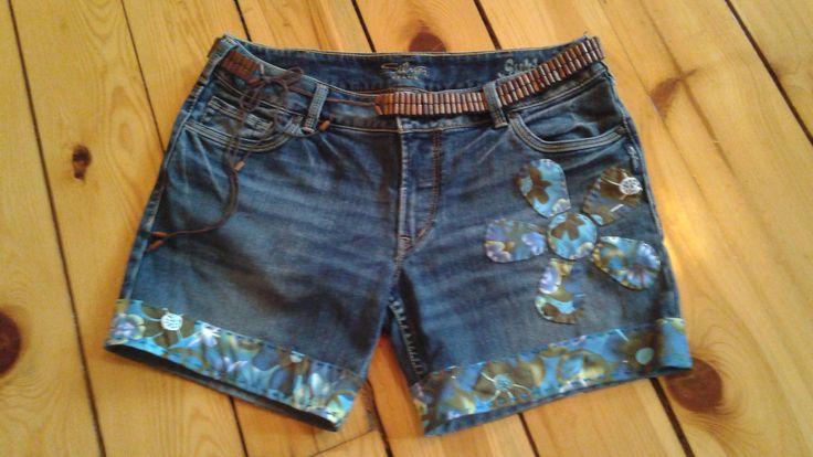 Short Jeans Jeans SILVER Short Hippie Short denim brodé avec tissu Peace and Love Vêtement Boho Vêtement Gypsy Vêtement réinventé écologique by Noukshouk on Etsy