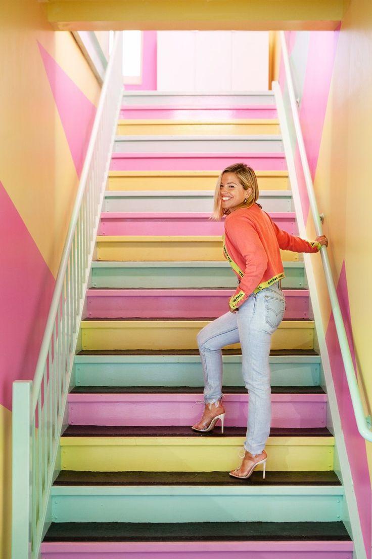 Interior - sasha bikoff designs fitness studio with miami vice and memphis influences – Interior Contemporary Design, Modern Design, Wood Design, Art Deco Hotel, Nightclub Design, Memphis Milano, Artistic Tile, Tropical Pool, Miami Vice