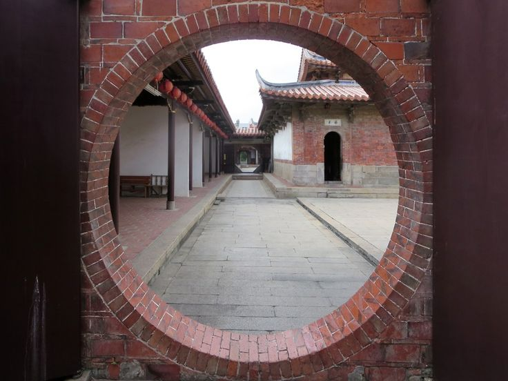 Lungshan Temple in Lukang is one of the purest examples of 18th century southern Taiwanese temple architecture.