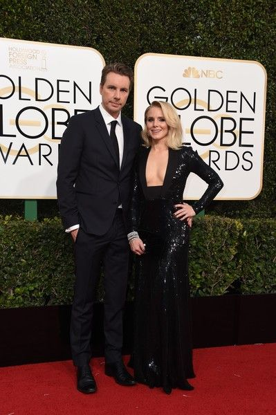 Kristen Bell and Dax Shepard - Celebrity Couples with Extreme Height Differences - Photos