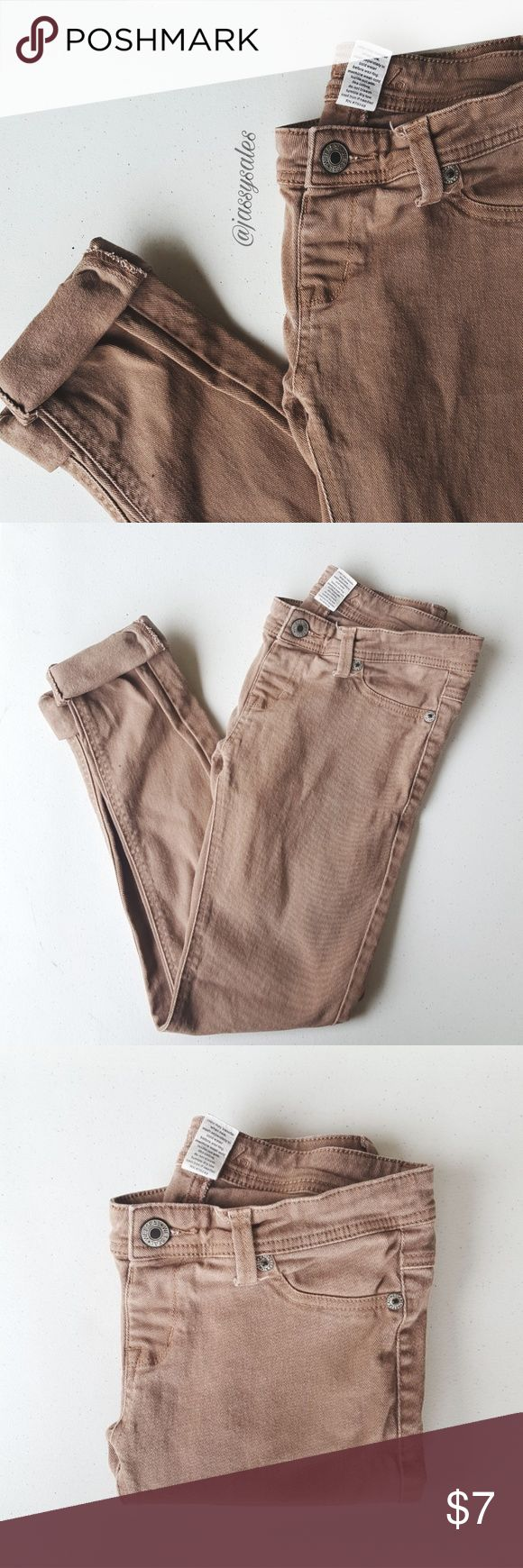 Wet Seal Khaki Skinny Pants 》 Size: MEDIUM (Would recommend sizes 4-6 in jeans/pants)                                                                                             》 Condition: Very good; has minor piling and fading from normal wear but they still have tons of life left! (:  ♡ Ask about bundling! I give special deals on bundles! ♡ I move out AUGUST 26TH! EVERYTHING MUST GO! Wet Seal Pants Skinny