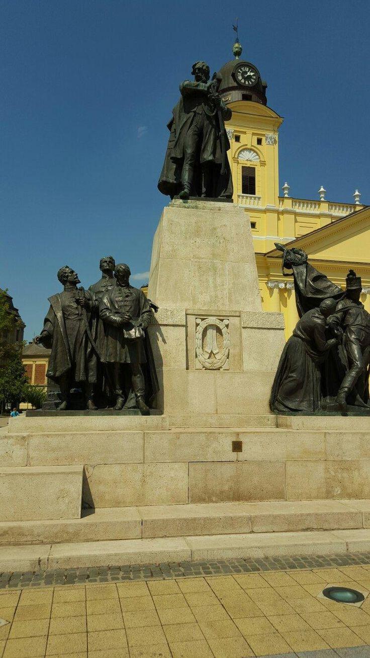 Statue of Lajos Kossuth - Debrecen