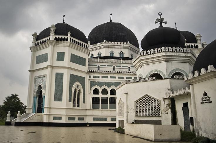 Medan, Sumatra's biggest city. {photo by Anthon Jackson}