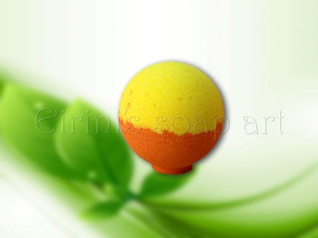 Two colors bath bomb