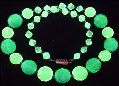 "16"" 400mm Czech Glass Beads Necklace Uranium Yellow Green Vintage UV Glowing by MuchMoreThanButtons on Etsy"