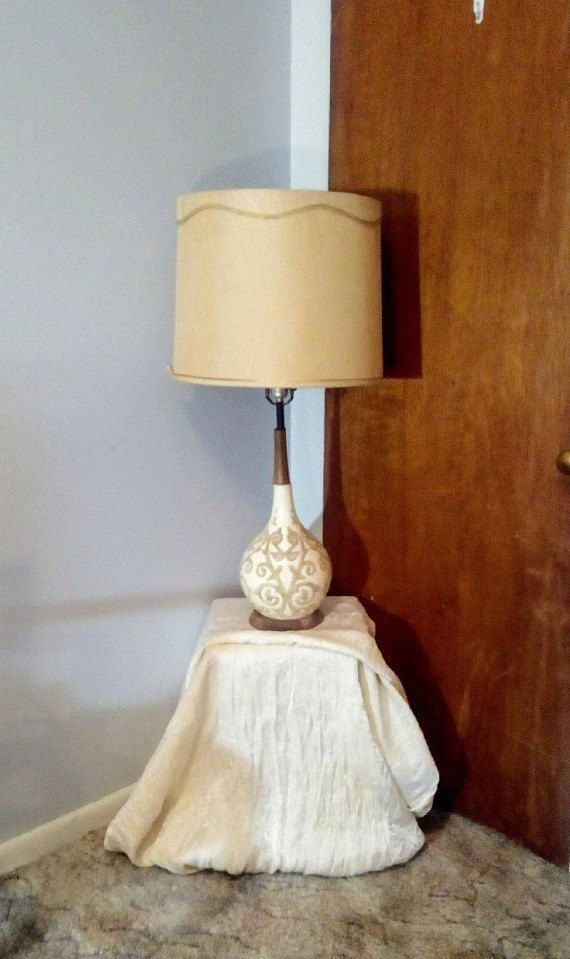 1950's Retro Table Lamp: Vintage Mid Century Modern