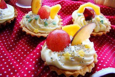 MojaKuchniaMalutka i reszta domu : Kruche babeczki z masą budyniową i owocami