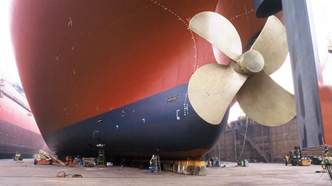 17 Best images about Super Tankers on Pinterest | Deep sea ... Oasis Of The Seas Comparison