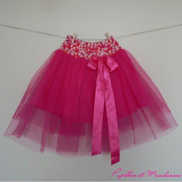 Jupe de princesse: jupon en popeline pour la doublure et deux panneaux de tulle de hauteur différentes par dessus