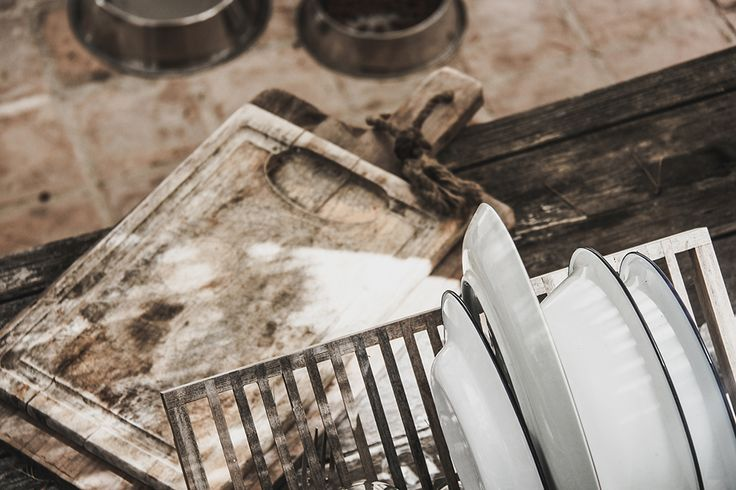 En blog post från Mokkasin som handlar om Lite kök.. Det delar kategorien DAILY LIFE, INSPIRATION - INTERIOR - Här berättar Mokkasin lite om Photo: Lucille Iselin Jag får helt enkelt sätta den utlovade fortsättningen på lekstugan tills imorgon. Det får bli som en liten pausmusik så länge. Dagen .