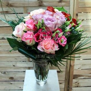 In aceasta zi tomnatica, inveseleste-i simturile si fa-o sa simta ca a venit cu adevarat primavara cu Reverie-Buchet 13 trandafiri, 5 cale si 3 lisianthus - Detalii: http://cityflowers.ro/reverie#sthash.zOGdGD6i.dpuf