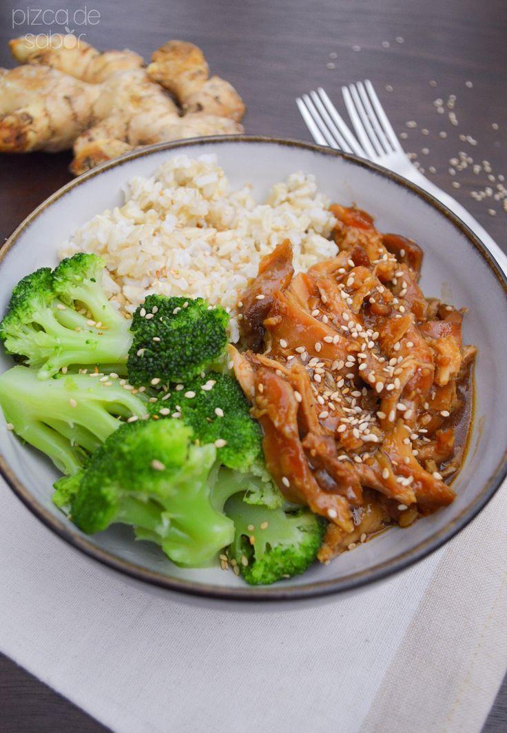 Pollo con miel, salsa de soya, jengibre y ajonjolí en crockpot