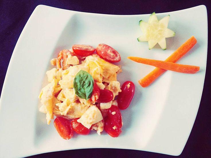 #breakfast #timetoeat #weekend #eatclean #instafood #instacool #lowcarb #healthy #fit #stayfit #foodstagram #sunday #fitness #niceday #home #potsdam #berlin by just.mih