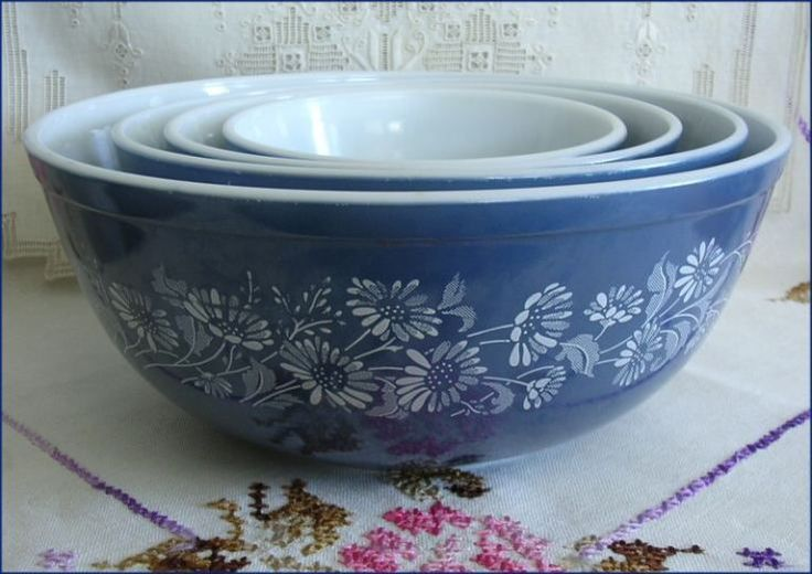 Vintage Pyrex Mixing Bowls of any sort. Printed or solid, small or big, I don't care I just love them :)