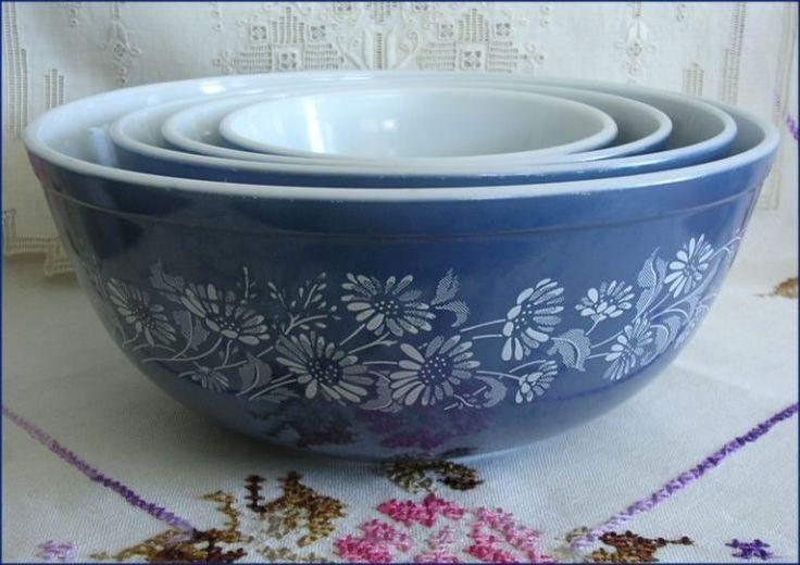 Vintage Pyrex Blue Colonial Mist Mixing Bowls