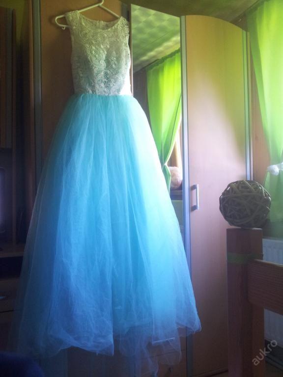 Luxusní plesové šaty (vhodné na maturitní ples)