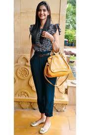 Sonam Kapoor Style: Bollywood Celeb Style: Sonam Kapoor carrying Chloe