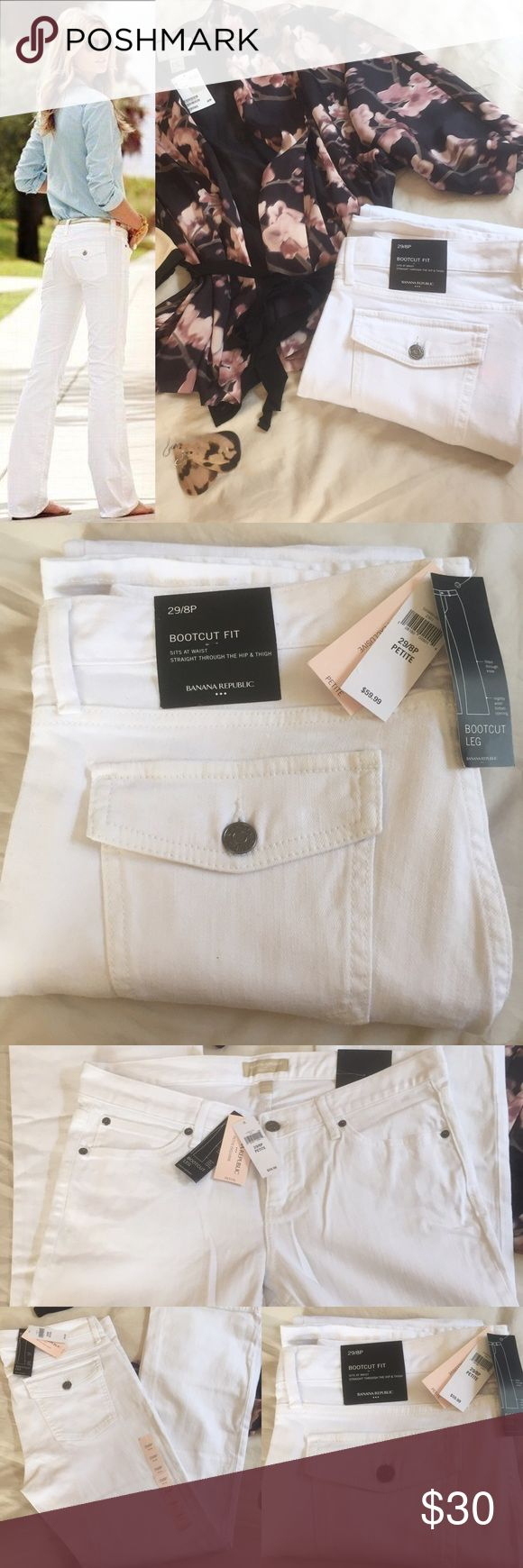 NWT BANANA REPUBLIC White Bootcut Jeans NWT never worn white Bootcut fit jean. Size 29/8p. Check out my other listing, also available on Mercari 👠👗👜💍🕶👟 **stock photo is for reference only Banana Republic Jeans Boot Cut