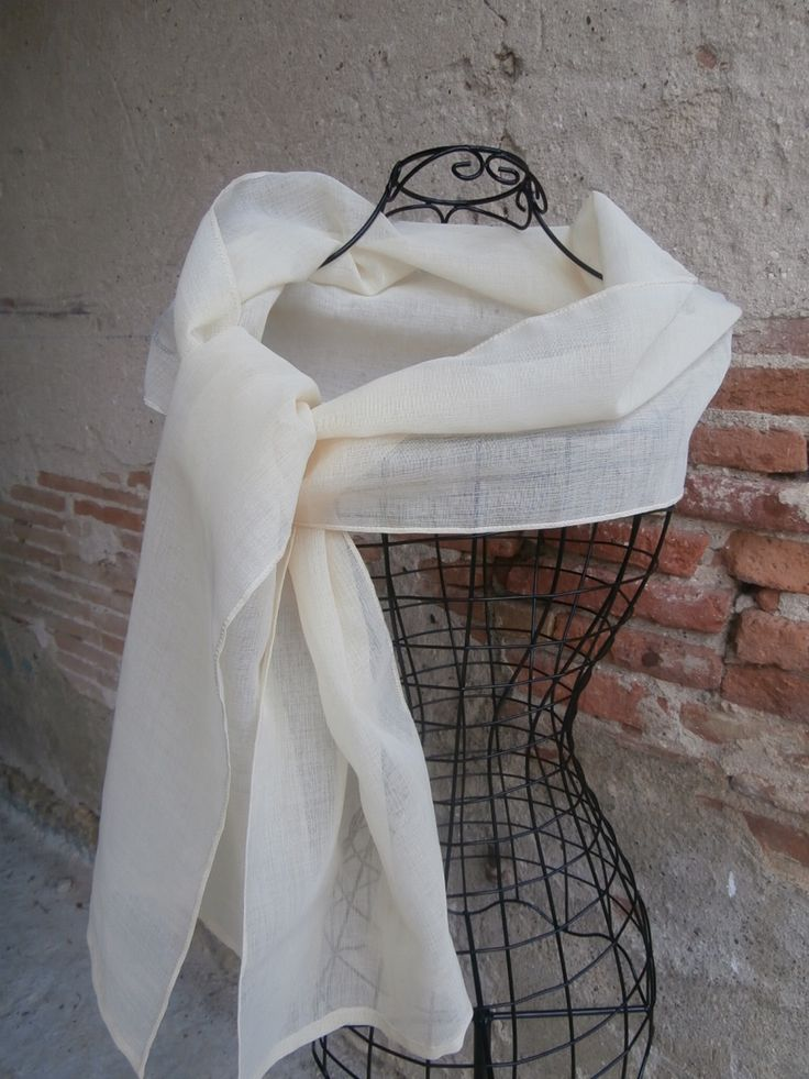 gallery of etole en voilage femme jaune trs clair pour mariage crmonie gala with voilage saint. Black Bedroom Furniture Sets. Home Design Ideas