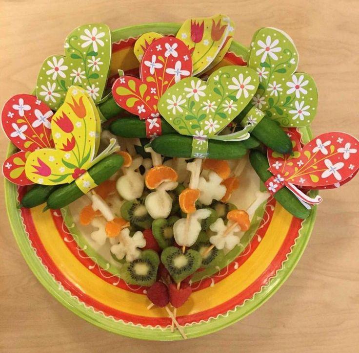 Komkommervlinders met mandarijn, kiwi en aardbei