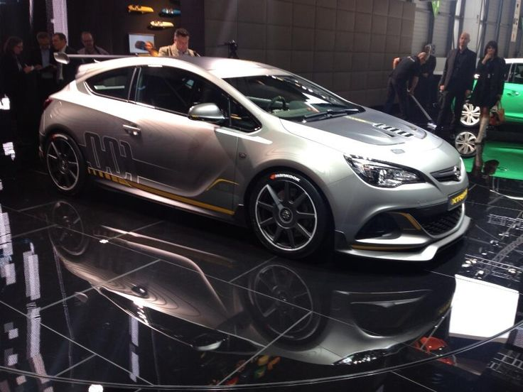 Twitter / spassbremser: Opel Astra OPC Extreme.