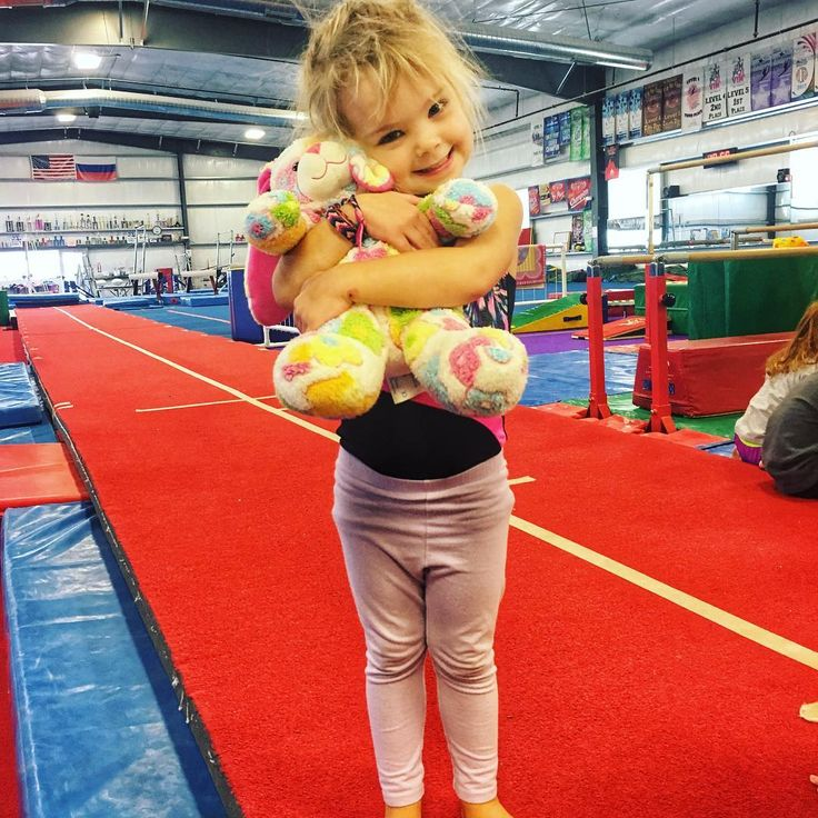 This little diva participated in her entire gymnastics class holding Miss Flower Bunny.  I mean how could you say no to that cute smile? Talk about talent and coordination!  . . . . #gymnastics #tumble #toddlerlife #preschooler #nanny #nannylife #nannylove #nannygirl #diaryofafitnanny #athomeworkout #personaltrainer #correctiveexercisespecialist #plantpowered #eatmoreplants #spreadloveeverywhere #dogmomlife #furbabylove #adventureseeker #foreverlearning