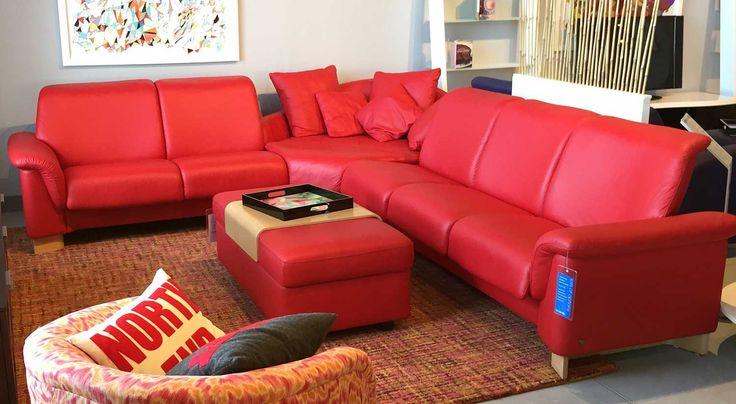 mobel arenz mabel sofa in trapezform himolla cumuly rot aus leder modern trend ga 1 4 nstig farbe laubach pinterest offnungszeiten