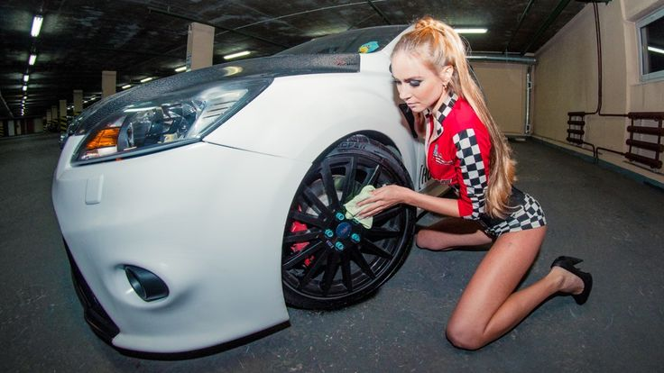Ford Focus RS mk2 white tuning & Girl