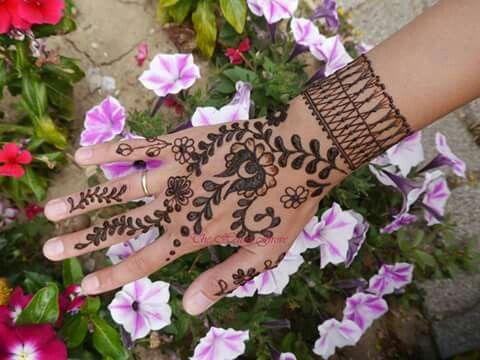 Inspired by Hungarian #embroidery #mehndi #henna #matyo #magyar #flovers #hennaart