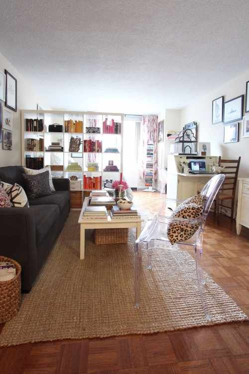 House Tour A Colorful Upper East Side Studio Apartment Therapy