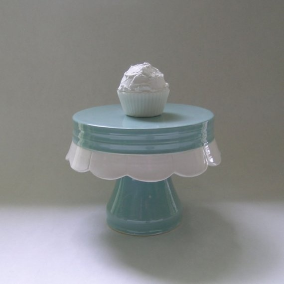 Scallop Edge Ceramic Cake Stand