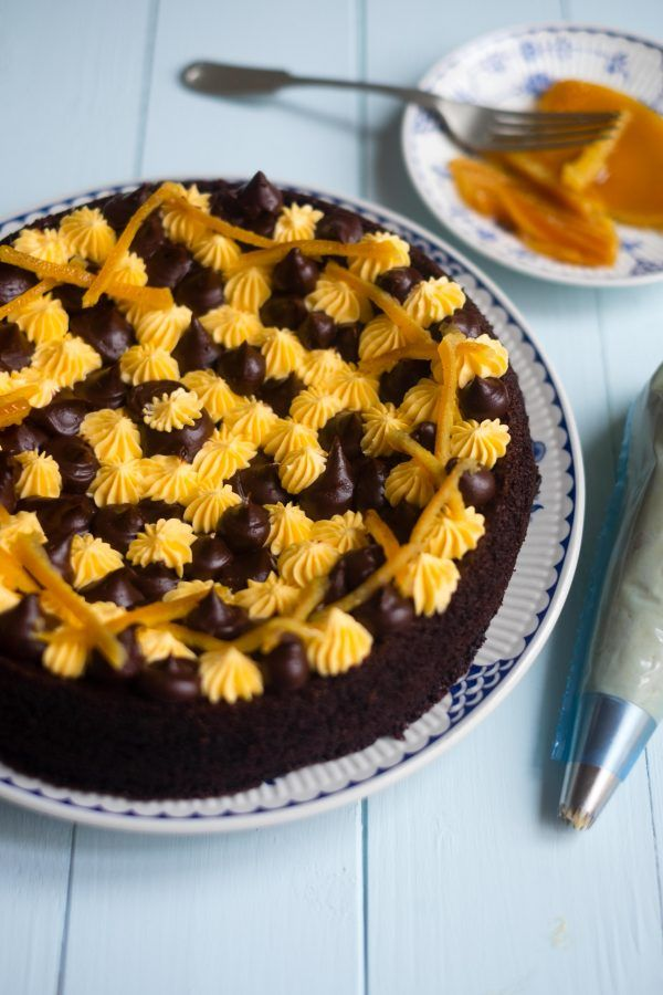 It's #InternationalChocolateCakeDay and this Chocolate Olive Oil Cake is so easy to make. Enjoy!