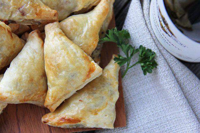 Mushroom, Herb & Gruyere Cheese Mini Turnovers #Recipe
