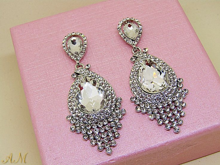 Quiero compartir lo último que he añadido a mi tienda de #etsy: Crystal Bridal Earrings, Wedding earrings, Long Bridal earrings, Long Crystal Stud Earrings, Silver Crystal Drop Earrings, Bridal Jewelry http://etsy.me/2nDtaHd #bodas #joyeria #plata #lagrima #apresion #l