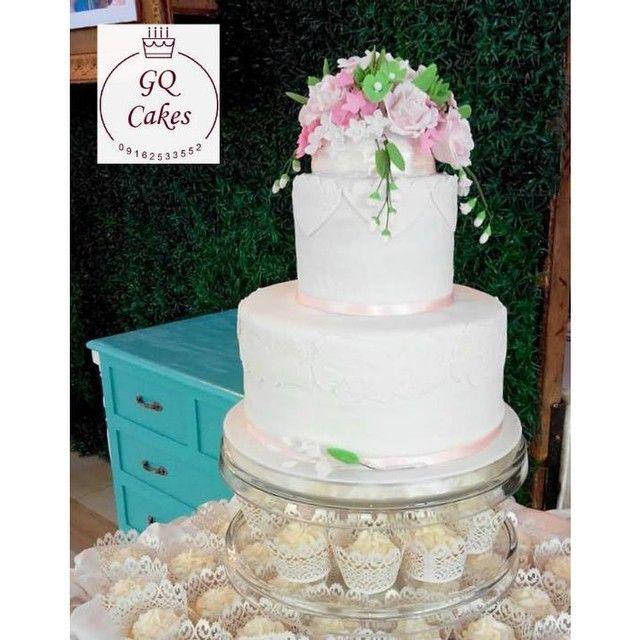 #gqcakes #weddingcake #wedding #cake #sugarflowers #floral #flowers #gumpaste #fondant #walnut #carrot #carrotcake #roses #blooms #julisheverafter