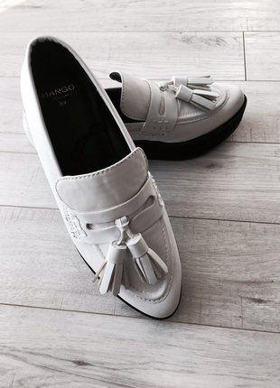 Kup mój przedmiot na #vintedpl http://www.vinted.pl/damskie-obuwie/polbuty/16196687-biale-polbuty-loafers-na-grubej-podeszwie-skora-rozmiar-39-modne
