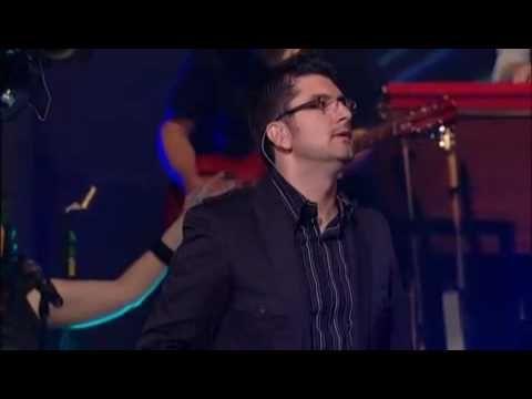 I Surrender All - Michael W. Smith (featuring Coalo Zamorano) - YouTube