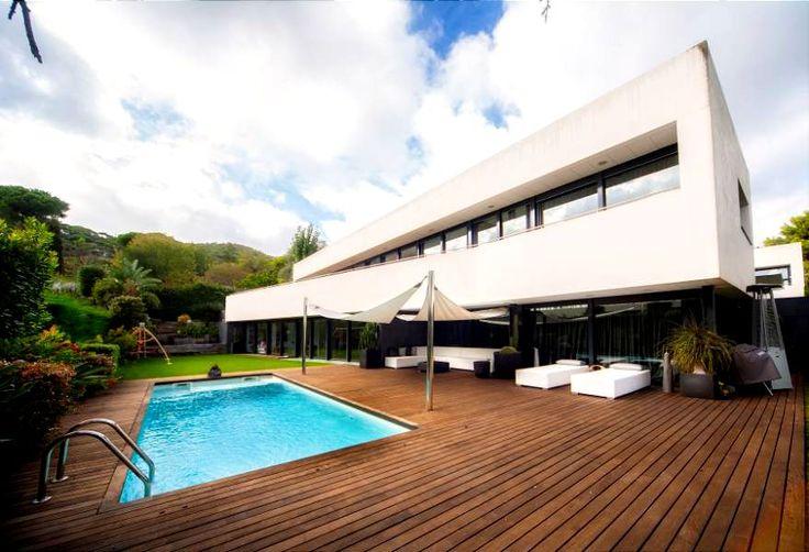 83 best images about arquitectura minimalista minimalist for Casa minimalista barcelona capital