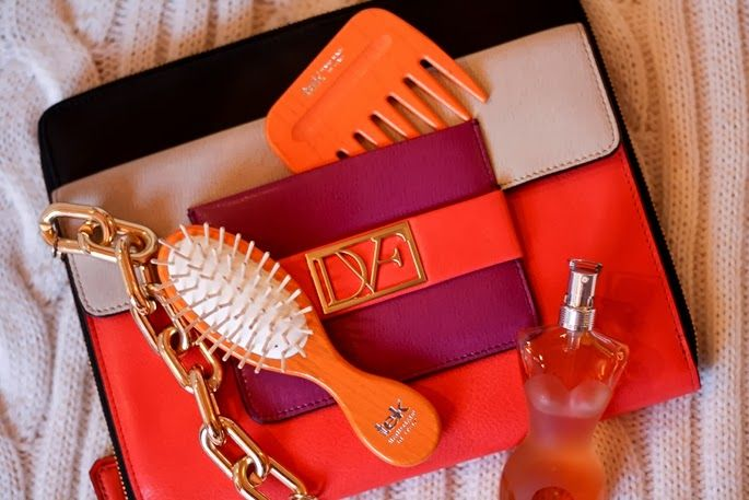 Orange and luxe on www.thecurlyway.com