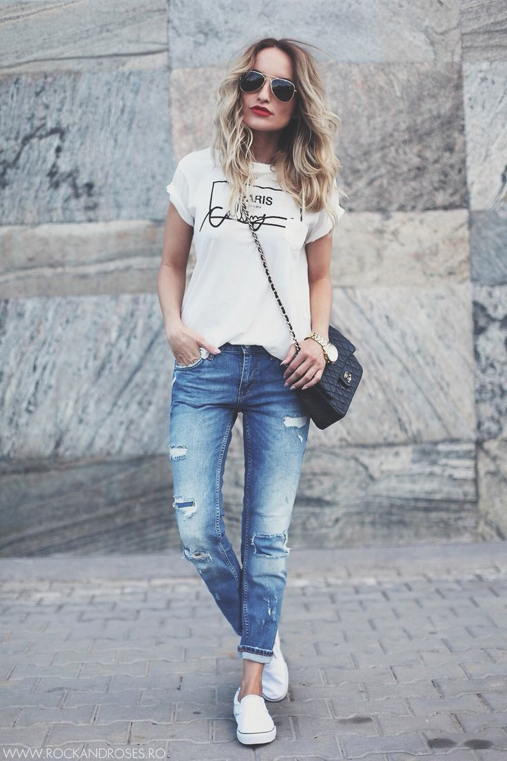 casual white tshirt, jeans, and white vans