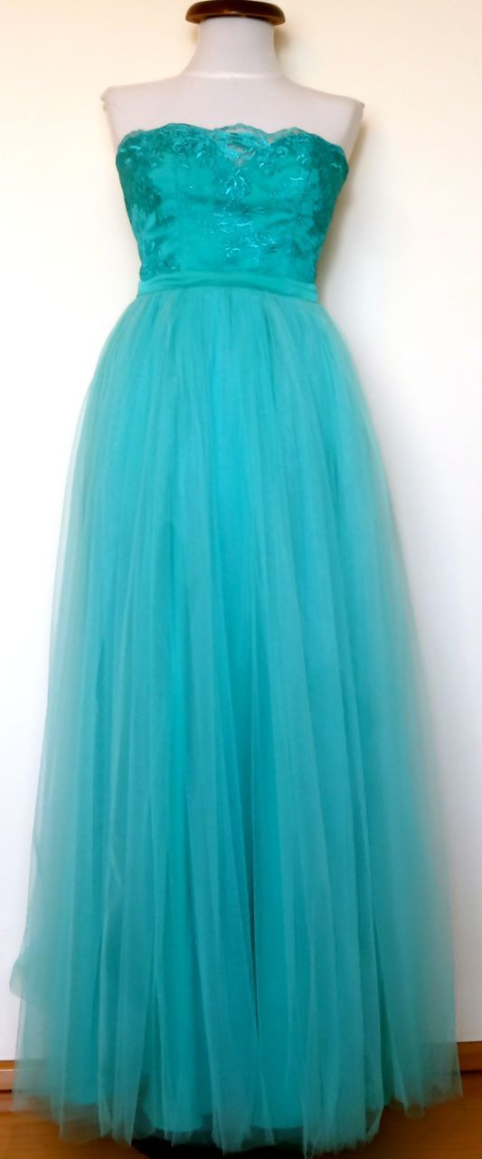 Rochie de ocazie din tulle si dantela. Model #custommade #Noomi. www.noomi.ro