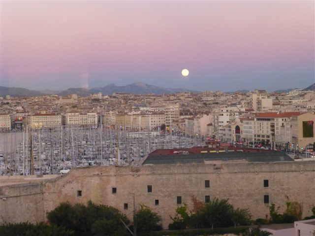 9 best wine business club images on pinterest marseille diners and frances o 39 connor - Discotheque marseille vieux port ...