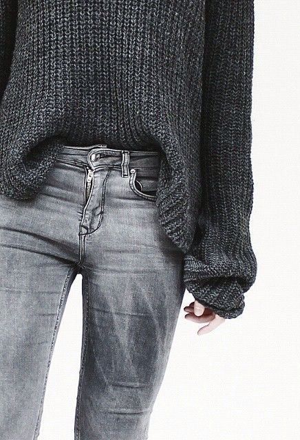 Simple style. Love the grey tones. #minimalchic #streetstyle                                                                                                                                                     More