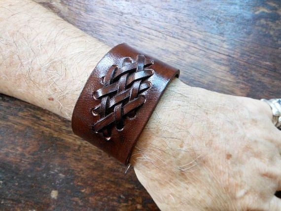Unisex Genuine Brown Cow Leather Bracelet Featured With Weave