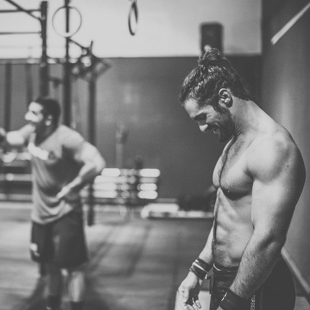 """Fitness is fun. Love good days and fun times in the gym. @wwe @jasonkhalipa @nc_crossfit @progenex @onnit @killcliff @skins_usa @blonyx @questnutrition…"""