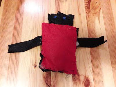Vakker dag: Hjemmelaget dompap i filt - på frihånd. DIY for barn.