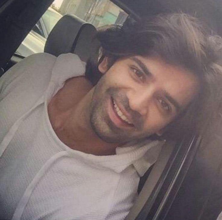 Cud anyone have this cute innocent smile than you Barun Sobti
