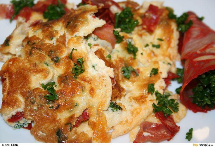 Omeleta s chorizem a petrželkou