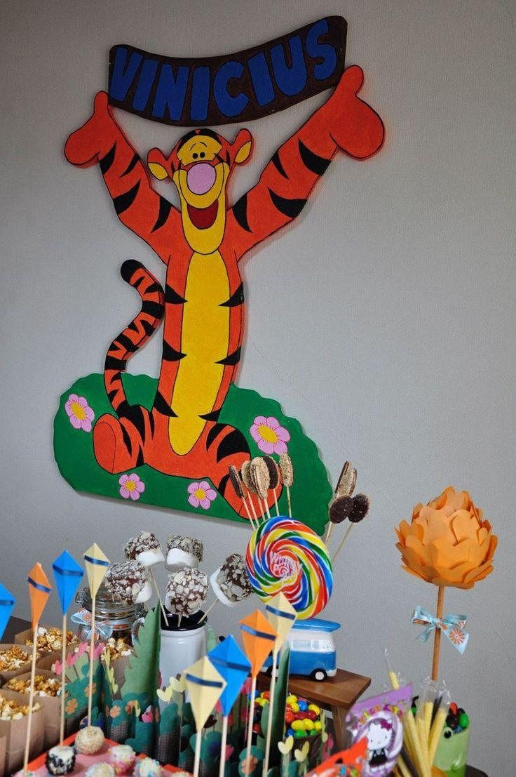 Tigger - tigrao de isopor para enfeitar a festa