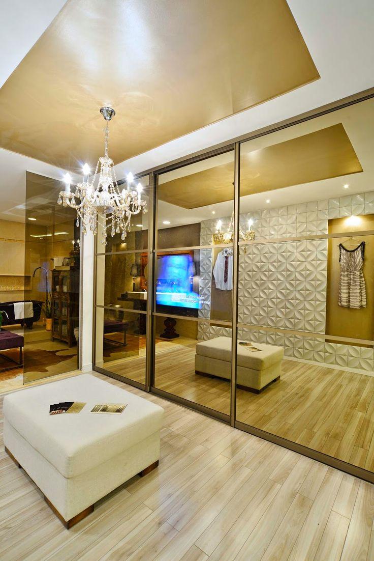 TV embutida na porta do armário - otimize espaço no seu quarto ou cozinha com essa tendência!
